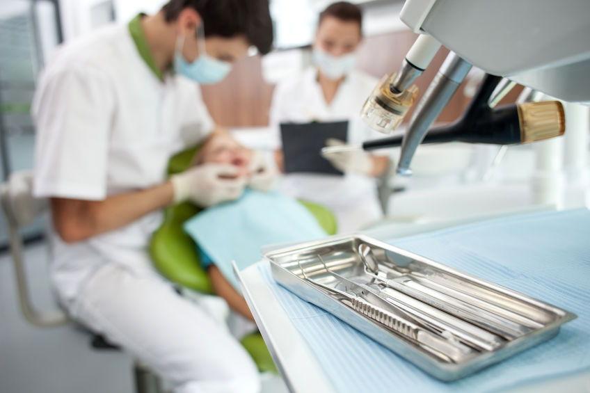 Zabiegi stomatologiczne Toruń cennik